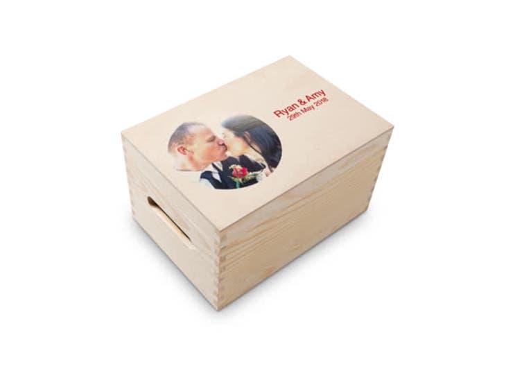 Christmas gift ideas for grandma - keepsake box - head to head