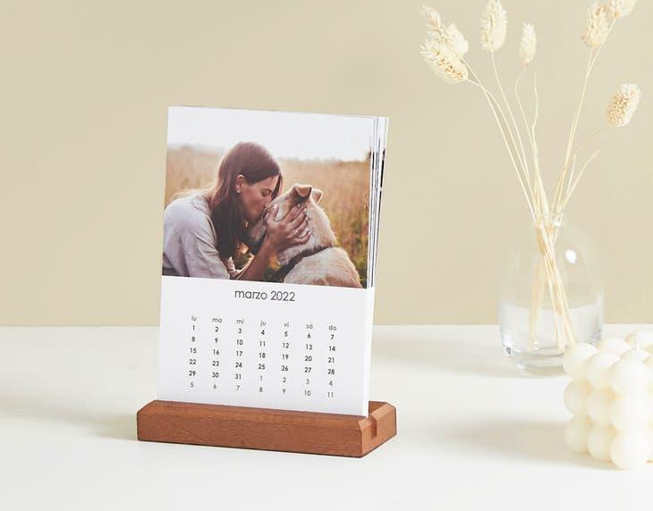 Calendario de Escritorio de Madera Vertical