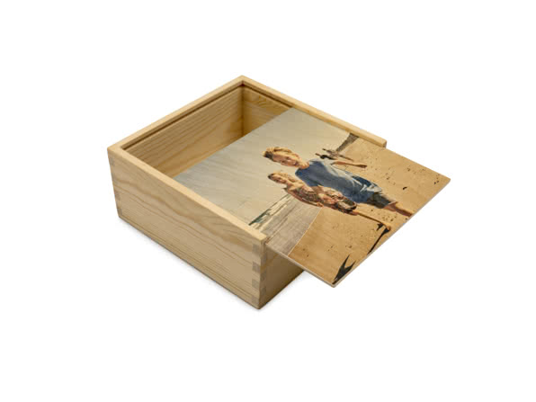 Cofanetto regalo in legno personalizzato