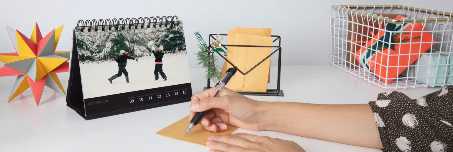 Desk Deluxe Calendar