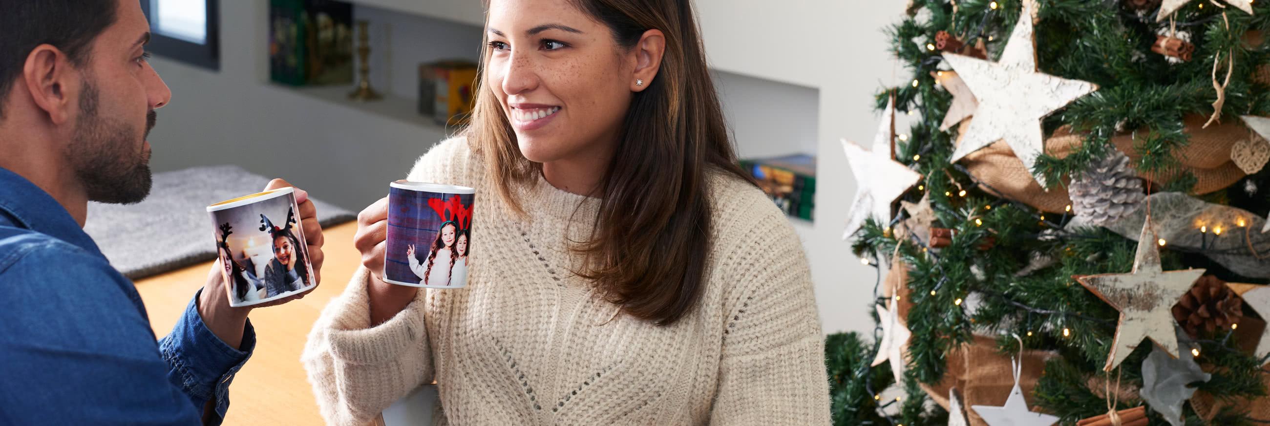 Taza de color con fotos familiares